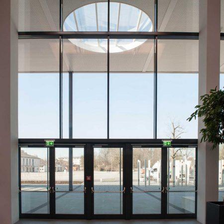Alu-Glas-Fassade an der Messehalle Wels, ausgeführt von der Firma Linzner.