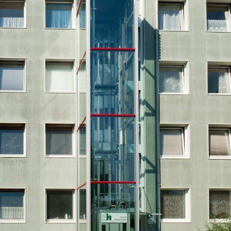 Lift aus Stahl und Glas für GWG Linz, ausgeführt von Firma Linzner