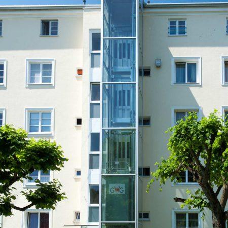 Lift aus Stahl und Glas für Welser Heimstädte, ausgeführt von Firma Linzner