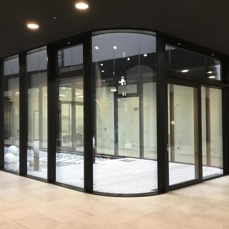Alu-Glas-Fassade ausgeführt von Firma Linzner für die Firma Greiner