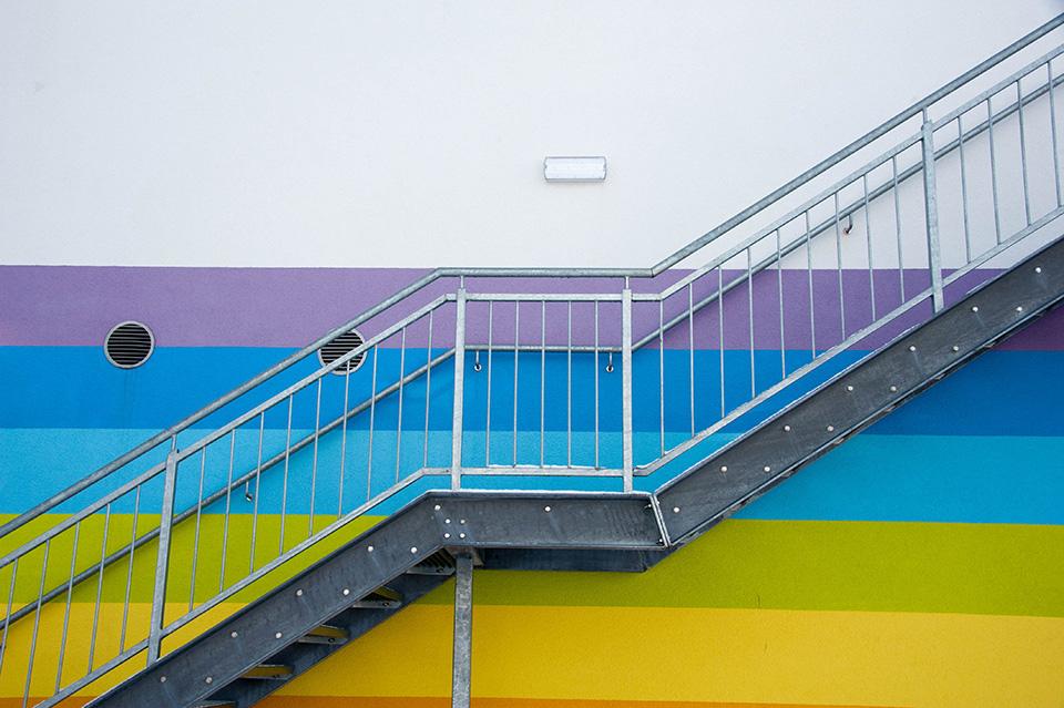 Stahl-Treppe für die Volksschule Haibach, ausgeführt von Firma Linzner